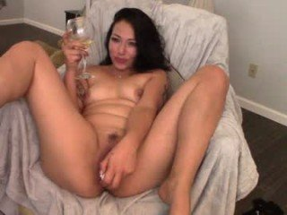 Webcam Belle - simona_simona cam mature with hairy pussy enjoys hot live sex on camera