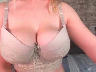 Webcam Belle - di_sweet_princess cam girl showing big tits and big ass