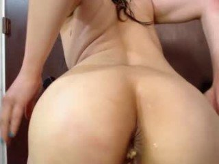 Webcam Belle - anneuniverse spanish cam babe accepts hot cum inside her pussy
