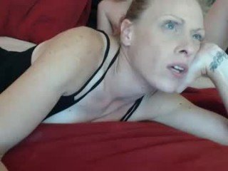 Webcam Belle - fuckery101cpl horny couple having crazy live sex online