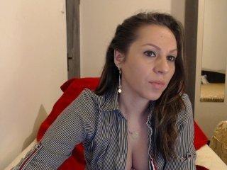 Webcam Belle - ellasolemn cam girl loves her sweet pussy penetrated hard