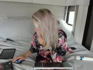 Webcam Belle - dddtraveler blonde cam girl wants dirty cum show