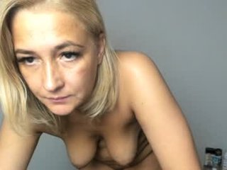 Webcam Belle - eva_7 pregnant cam milf enjoys her body on camera