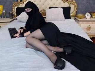 Webcam Belle - muslimmistres eastern cam slut in slutty stockings posing and masturbating live