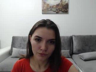 Webcam Belle - amelie_xxxx french cam babe flashing her small tits and masturbating online
