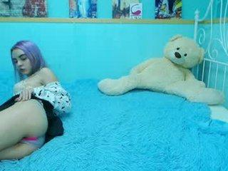 Webcam Belle - martaviolet cam girl with big tits gets her hot booty sodomized