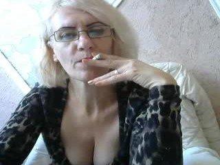 Webcam Belle - 00cleopatra cam mature gets to cum her face