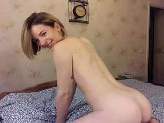 Webcam Belle - juliaiva slim cam chick with small tits loves to flash during her live sex session