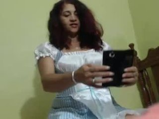 Webcam Belle - horny_mommy17 big tits spanish cam babe loves fucking on camera