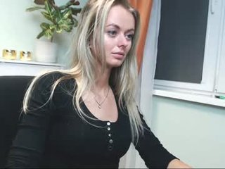 Webcam Belle - valerieluvsugar blonde cam girl loves dick fetish online