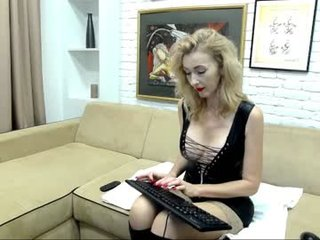 Webcam Belle - ladyleea cam slut loves fucking her boyfriend online