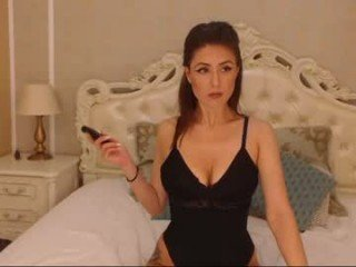 Webcam Belle - roxxyfoxyx enjoy your beautiful big boobs online