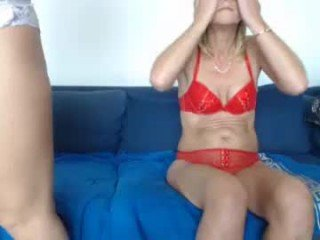 Webcam Belle - lindahotschot european cam babe loves defile ends with cum on her tits