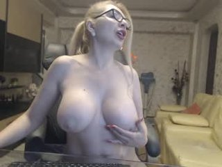 Webcam Belle - ladycools spanish cam milf doing everything so that you then see sexual dreams