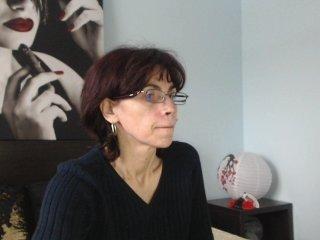 Webcam Belle - sarahchloe dirty webcam mature loves her pussy drilled