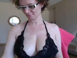 Webcam Belle - palaustudio spanish cam milf doing everything so that you then see sexual dreams
