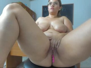 Webcam Belle - zalo_acoztta cam girl showing big tits and big ass