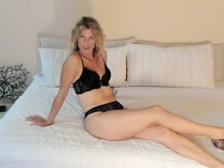 Webcam Belle - britishmilfpenelope cam slut loves fucking her boyfriend online