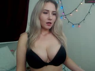 Webcam Belle - mika_relax cam girl with big tits wants gets anal fucked from behind