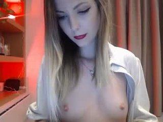 Webcam Belle - cassy_cum french cam babe flashing her small tits and masturbating online