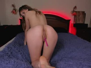 Webcam Belle - katie_fly cam girl with big tits wants gets anal fucked from behind