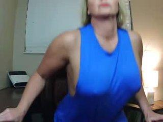 Webcam Belle - sara_alessandra amateur cam mature with big tits enjoys hot live sex on the camera