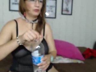 Webcam Belle - rachel_robertss cam slut loves fucking her boyfriend online