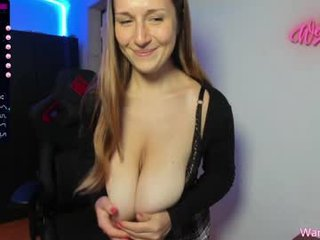 Webcam Belle - yours_anastasia cam girl showing big tits and big ass