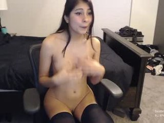 Webcam Belle - violetttflowers spanish cam babe with small tits loves sex on camera