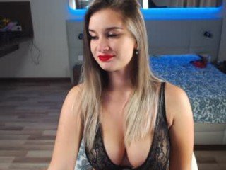 Webcam Belle - roxxana227 cam girl get her pussy humped
