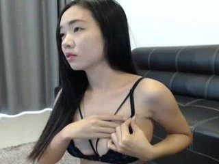 Webcam Belle - asiantabbyx cam girl showing big tits and big ass