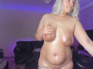 Webcam Belle - _mistyfox beefy cunt italian webcam girl uses her fingers to cum
