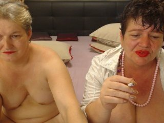 Webcam Belle - briandmelody fat cam babe pleased by her masseur on camera