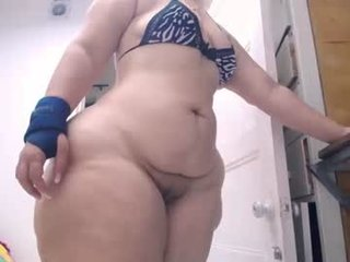 Webcam Belle - kristenhill1 mature cam girl flashing her small tits online