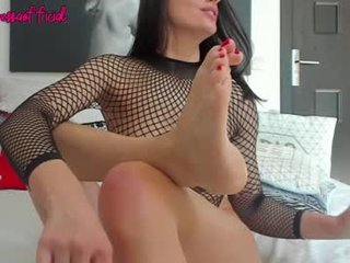 Webcam Belle - teressalove spanish cam babe wants her asshole humped on camera