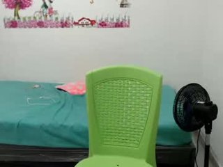 Webcam Belle - jaise_bigboobs cam girl get her pussy humped