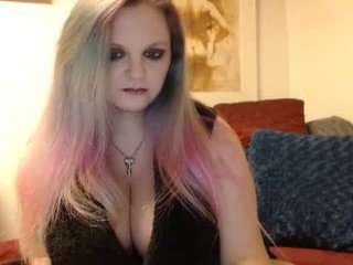 Webcam Belle - lillyth kinky cam milf showing hot webcam action