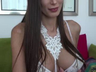 Webcam Belle - unforgettable_s big tits spanish cam babe loves fucking on camera