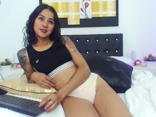 Webcam Belle - electrahot_18 anal live sex with various fetish on camera