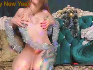 Webcam Belle - queenafina european cam babe with small tits goes doggie style online