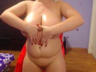 Webcam Belle - bbylarra cam girl showing big tits and big ass