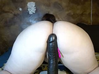 Webcam Belle - tinytina95 big tits cam babe have to shave pussy