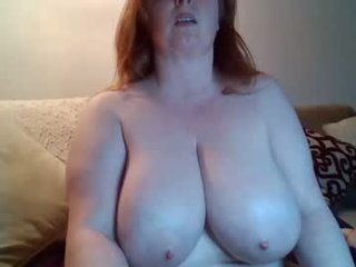 Webcam Belle - fionadarling37 cam girl showing big tits and big ass