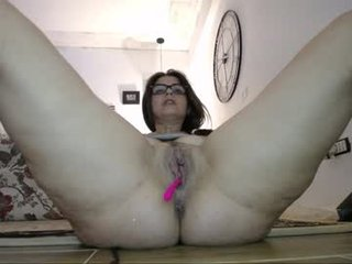 Webcam Belle - crissy_love milf cam slut enjoys anal live sex