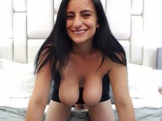 Webcam Belle - meganbeake spanish cam babe rubs her hairy pussy nice on camera