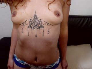 Webcam Belle - donny-william redhead spanish cam girl doing it solo, pleasuring her tight pussy live on cam