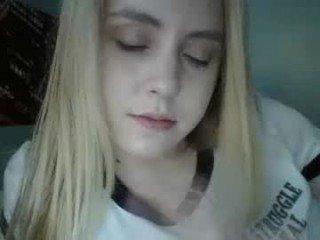 Webcam Belle - secret18slaveanon cam girl loves her sweet pussy penetrated hard