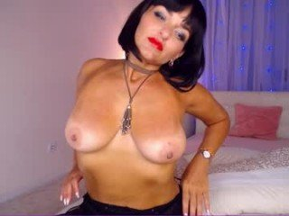 Webcam Belle - aizashake amateur cam mature with big tits enjoys hot live sex on the camera