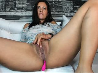 Webcam Belle - yessicahot1 live cum show with ohmibod in the pink pussy