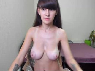 Webcam Belle - cowboy_girl cam girl with big tits gets her hot booty sodomized